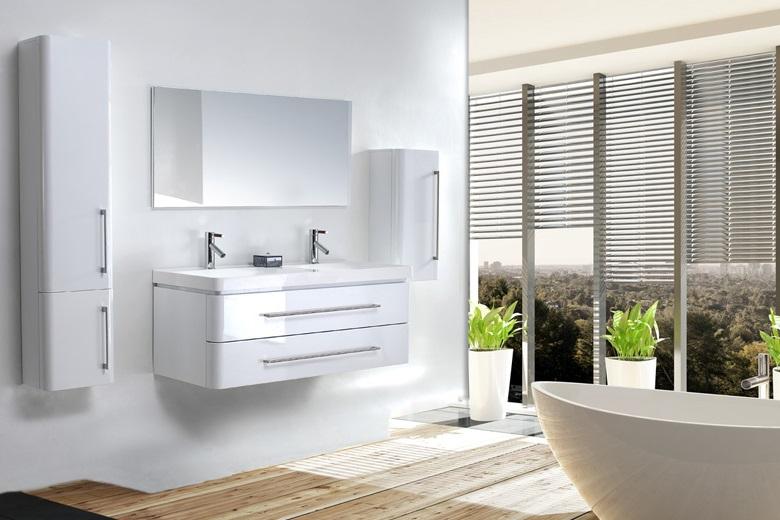 Salle De Bain Moderne Blanc Et Parquet