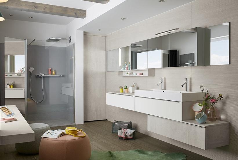 Salle De Bain Moderne Avec Meuble Sous Vasque Asymetrique