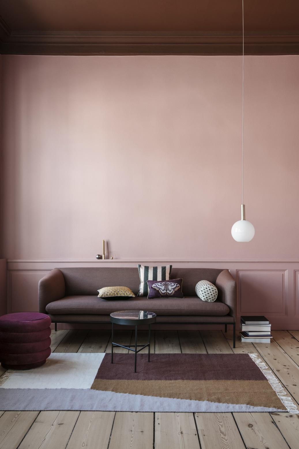 Sofa Avec Decoration Rose