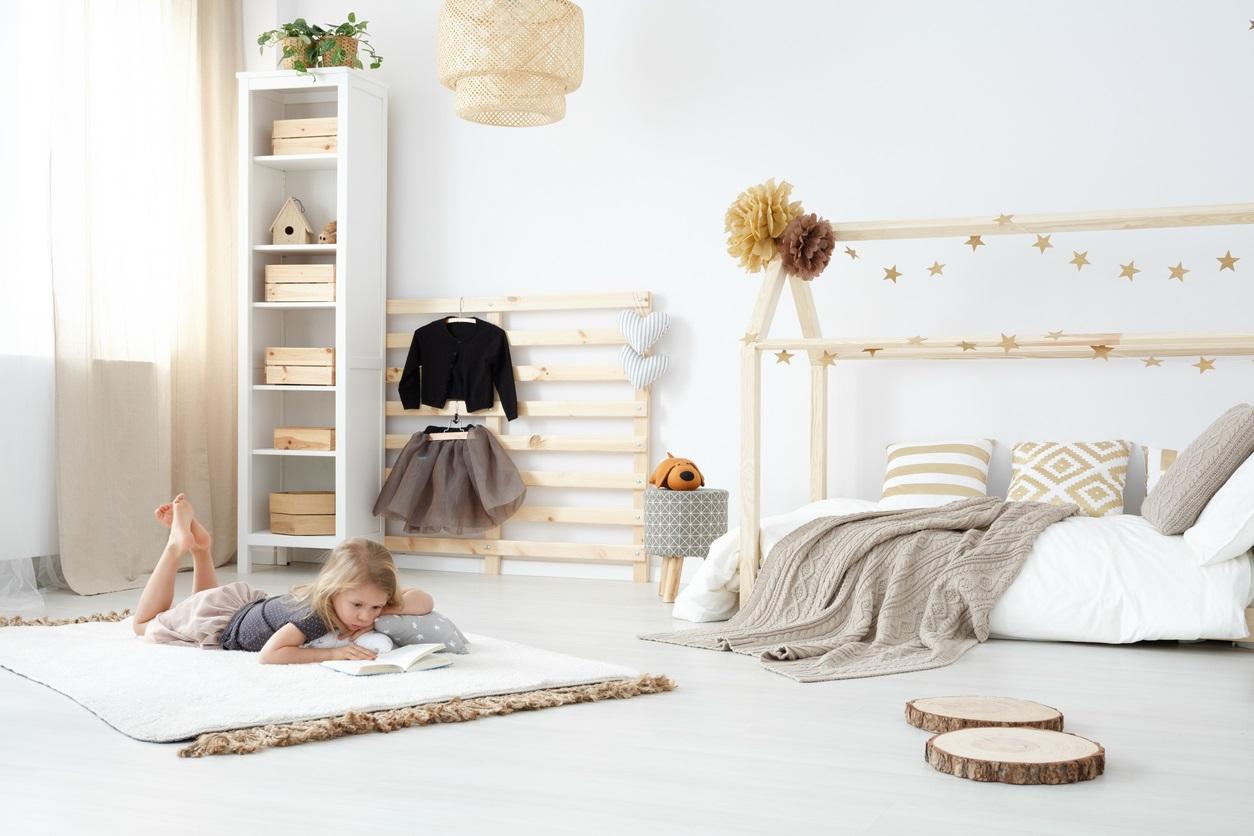 Chambre Enfant Avec Echelle Porte Manteau Istock