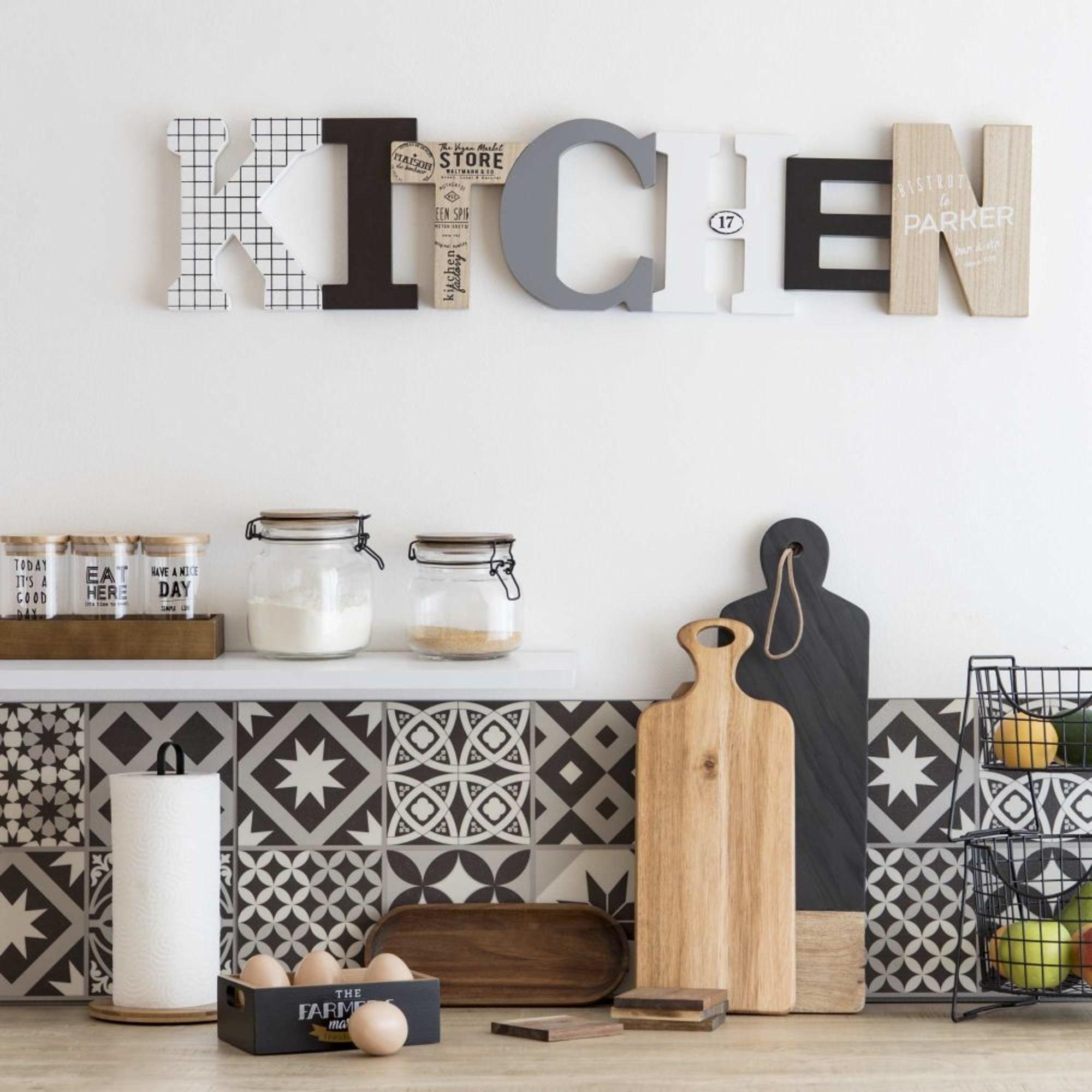 Décoration murale cuisine : 19 idées tendance et inspirantes