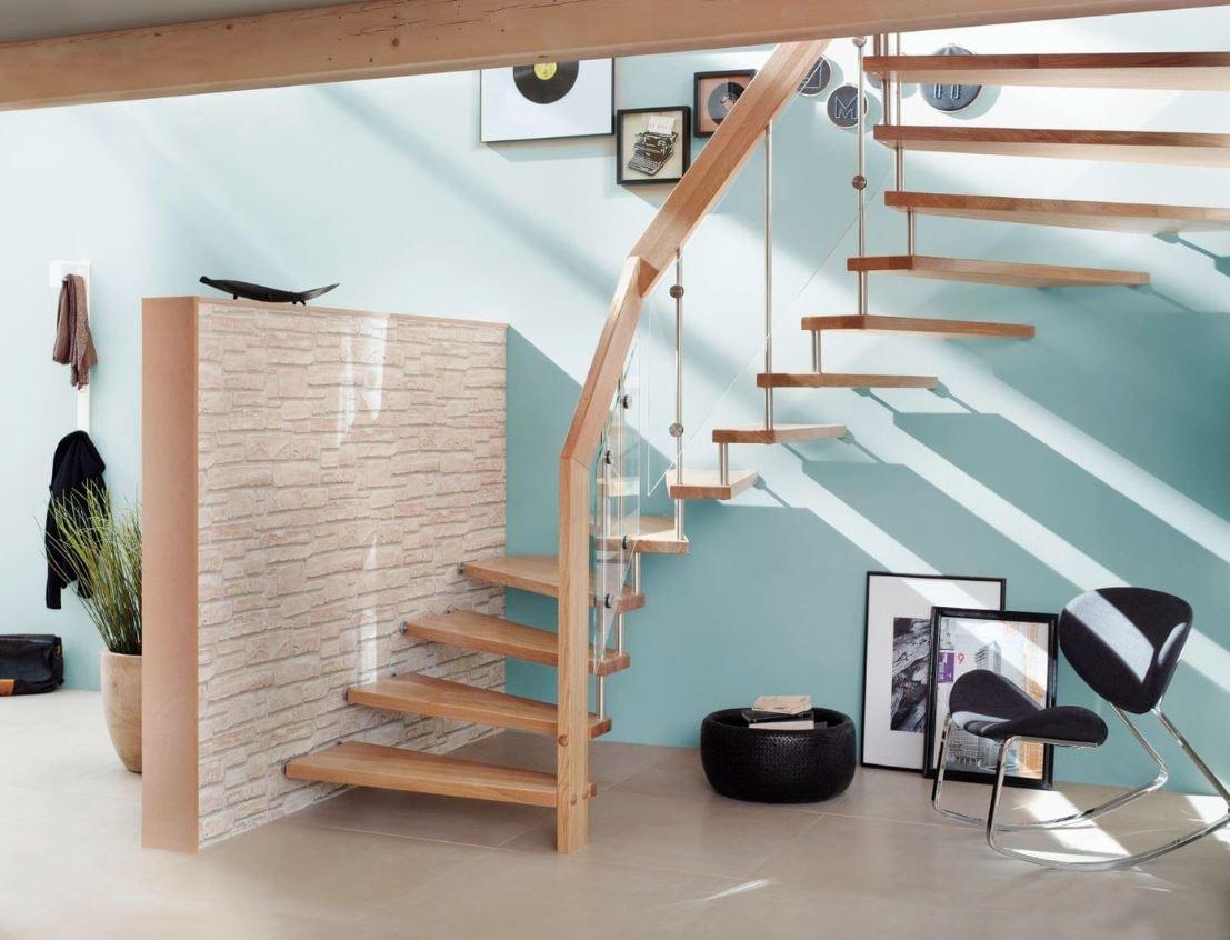 Escalier Suspendu Et Verre