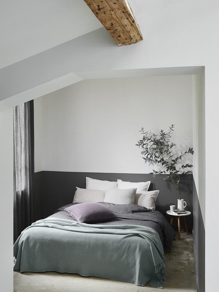 Petite Chambre Cocooning Avec Sous Bassement Enveloppant