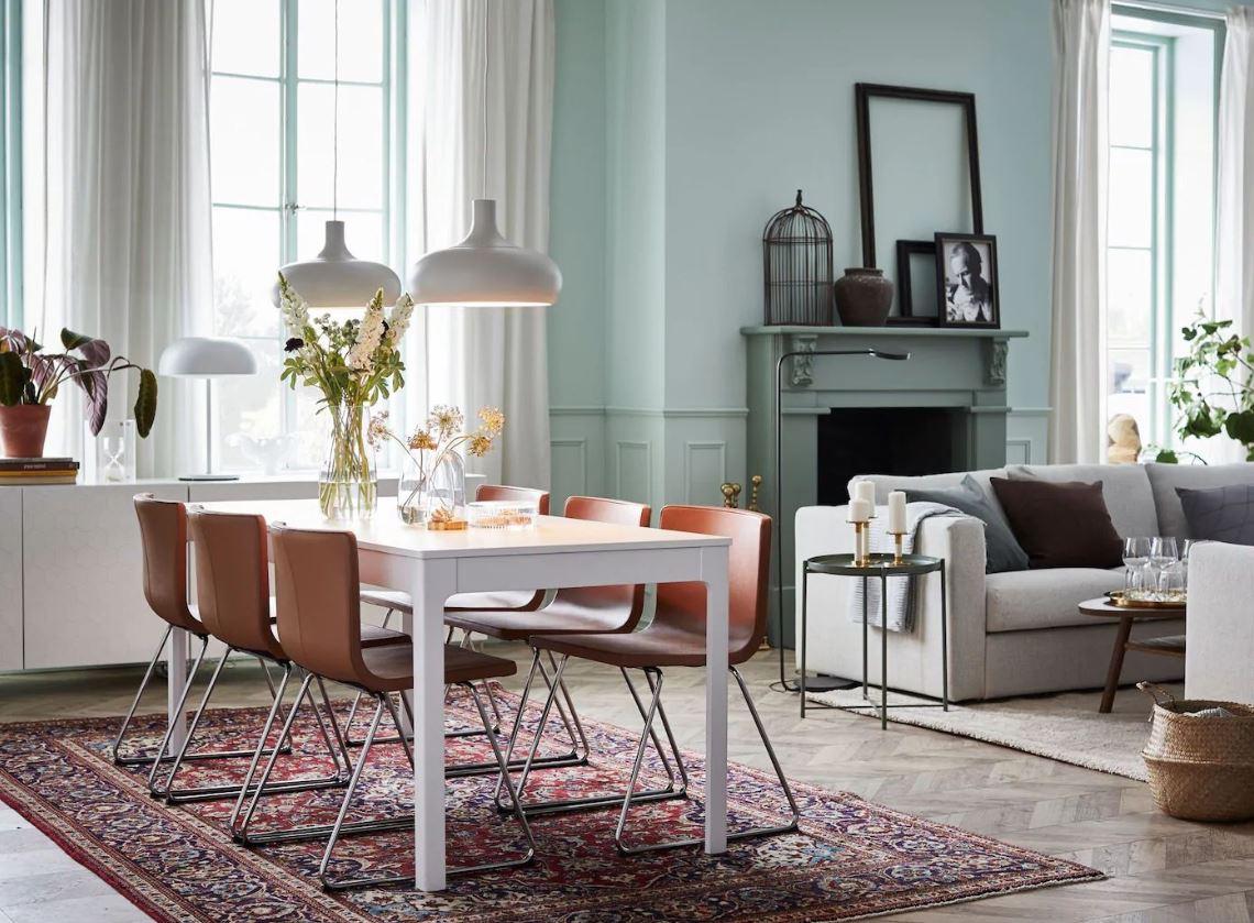 Salle A Manger Avec Table Extensible Et Chaises Empilables