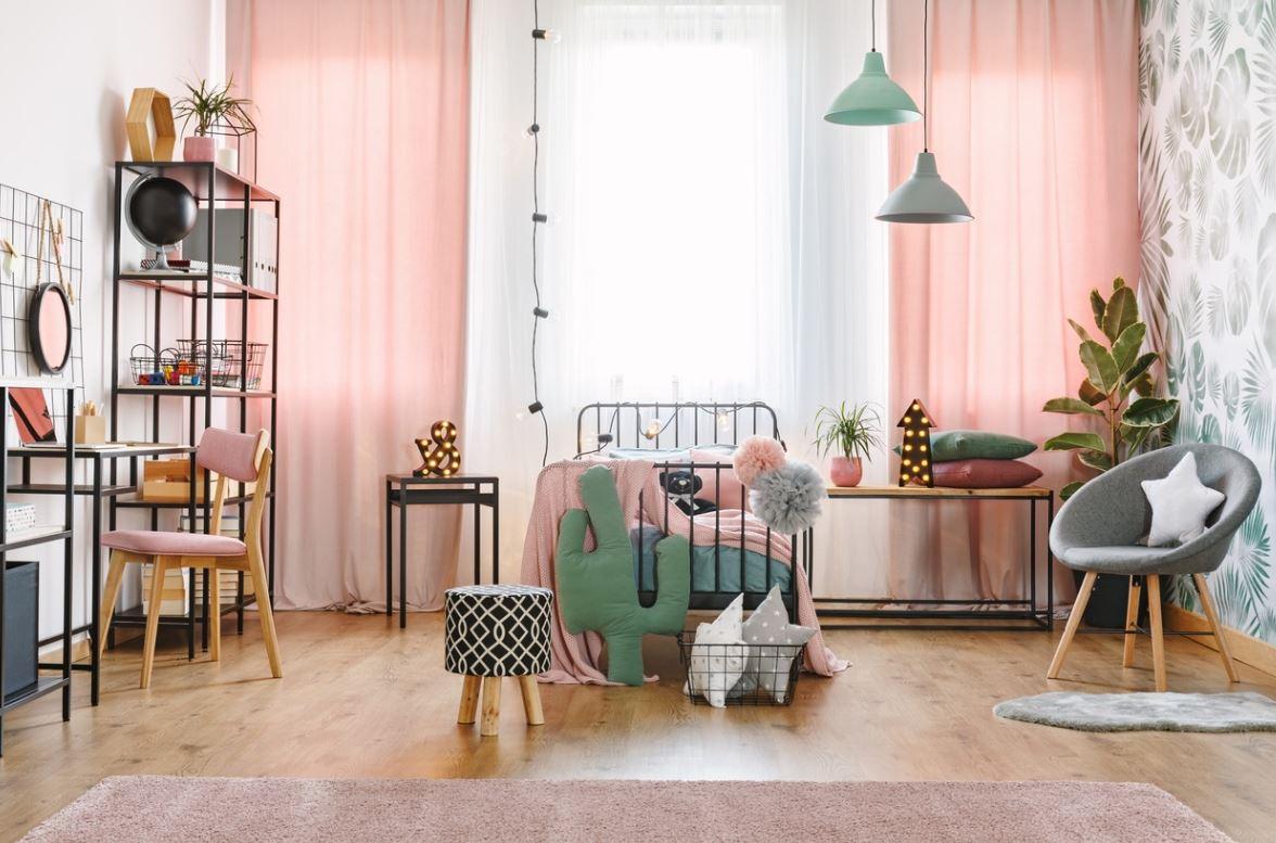 Chambre D'enfant Rose Poudré Avec Mobilier Léger