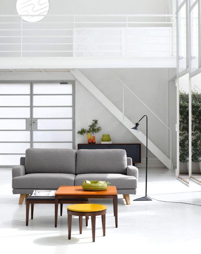 Salon Moderne Ecrin Blanc Et Mobilier Colore