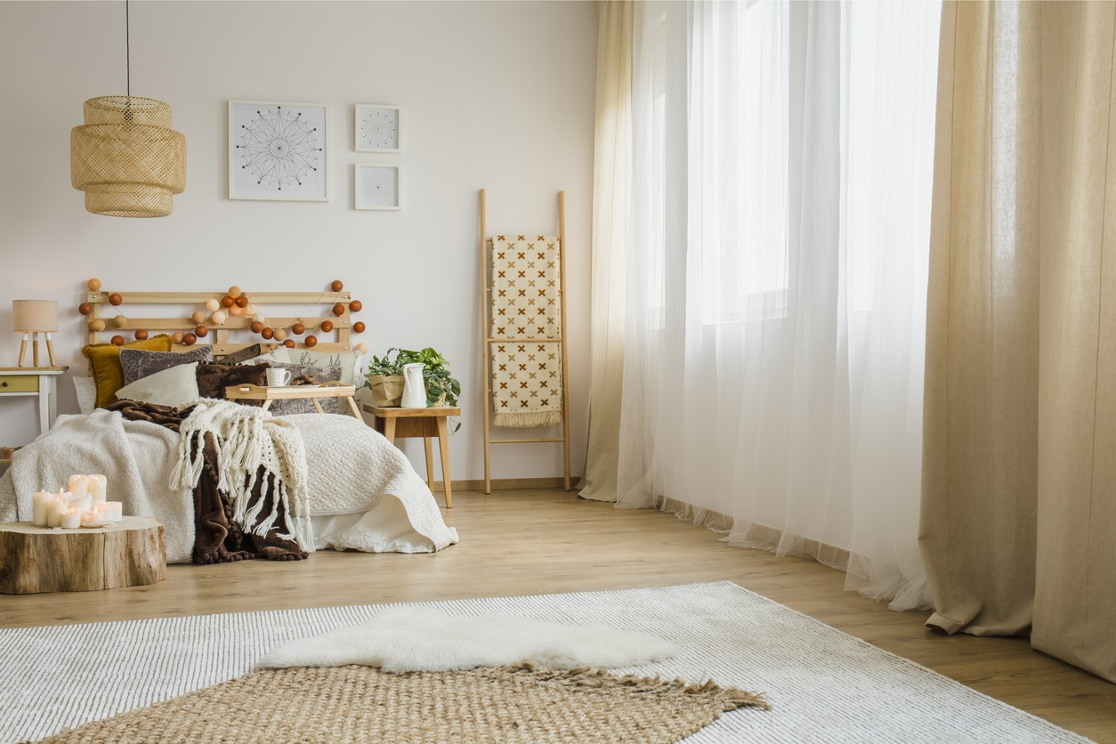 Décoration Avec Lit En Bois Et Textiles En Lin