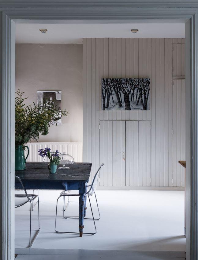 Salle à Manger Avec Peinture Murale Blanc Crème