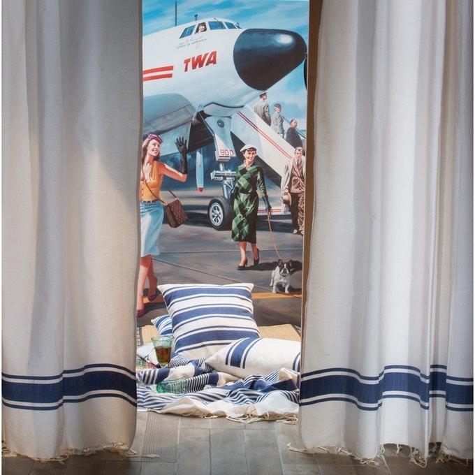 Chambre Avec Textile Bleu Roi Et Blanc