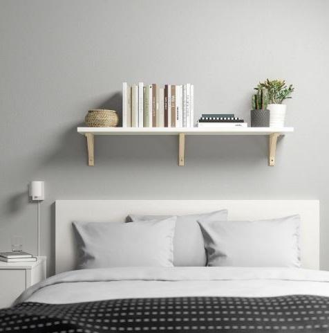 Tagère Murale Simple, De Coloris Blanc, Dans Une Chambre à Coucher