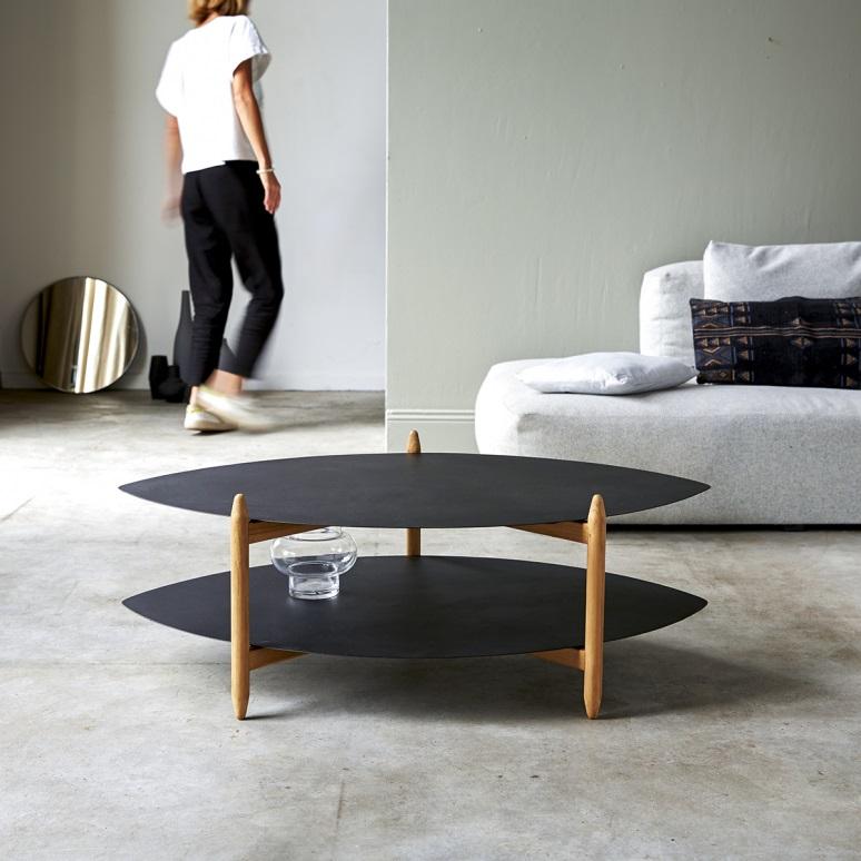 Table Ovoïde En Métal Noir
