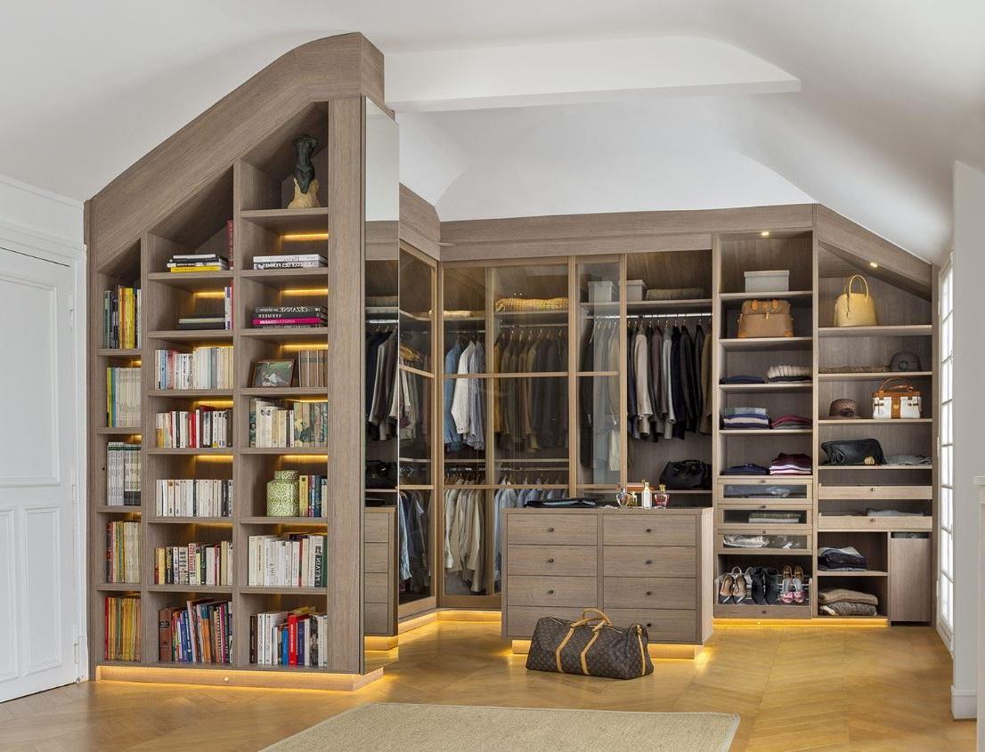 Dressing Sous Pente Et Bibliotheque