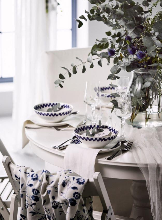 Bleu Fonce Et Blanc Eclatant