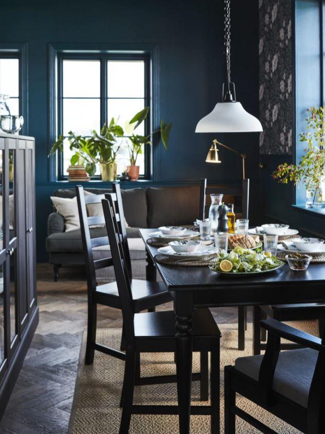 Bleu Fonce Et Noir