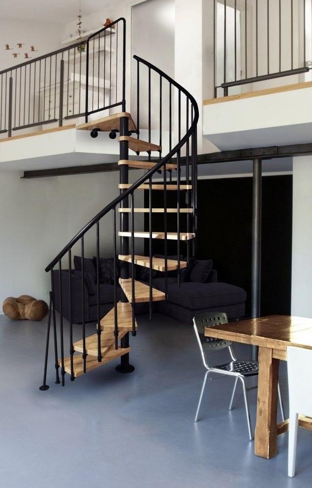 Escalier Colimaçon Bois Et Metal Noir