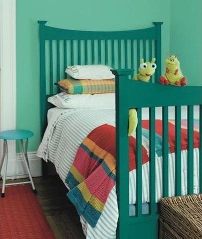 vert Turquoise Dans La Chambre D'enfants –