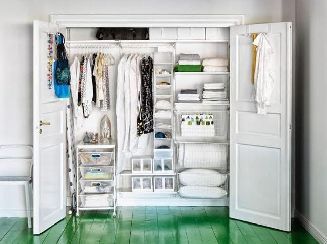 Dressing Blanc Dans Un Placard –