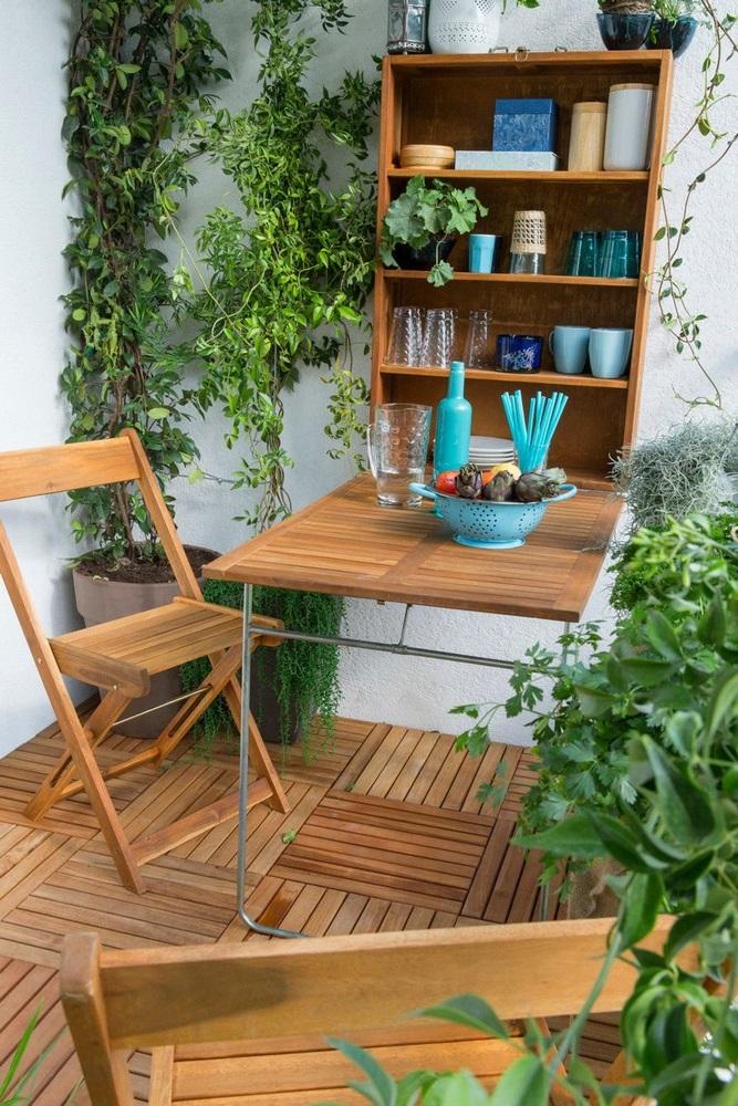 Table Escamotable Et Rangement, Chaises Pliables