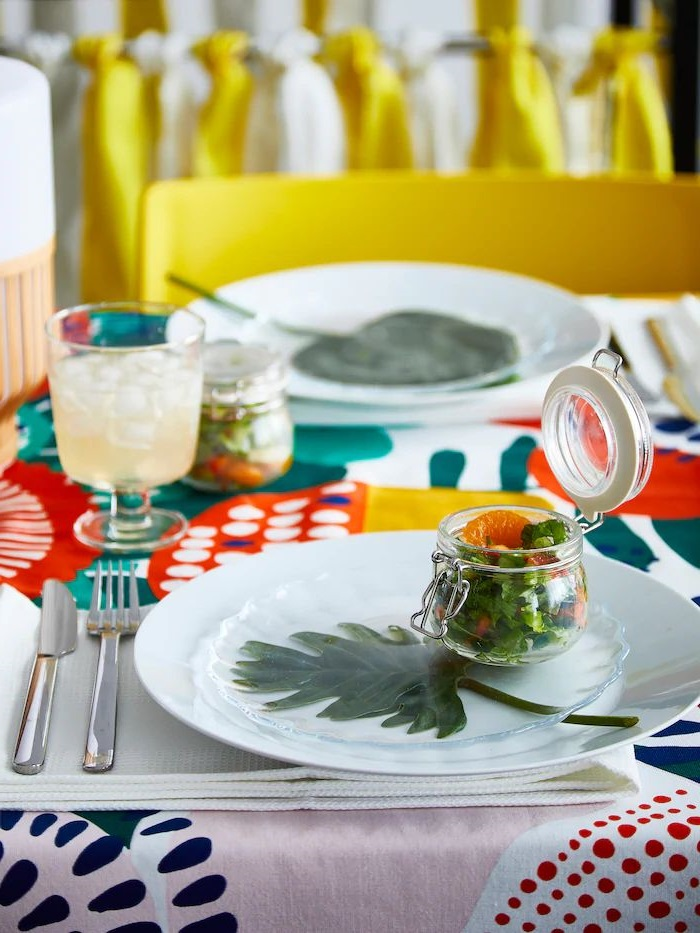 Textiles Colores Et Vaisselle Sage
