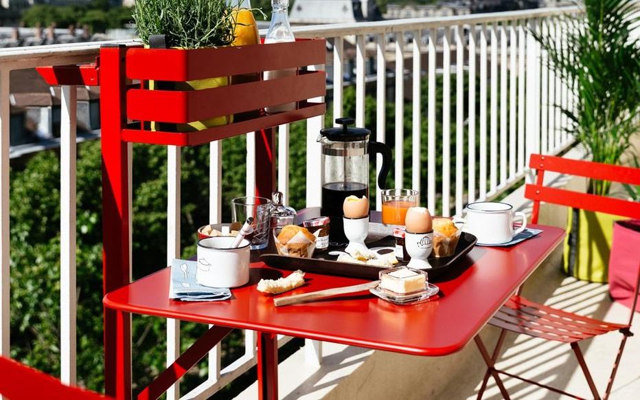 Table Pliable Et Jardiniere Bistrot