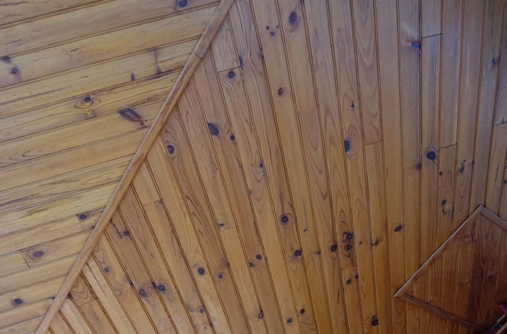 Plafond Lambrissé