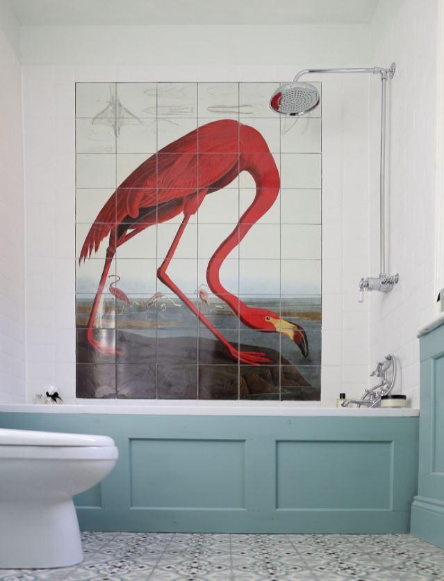 Une Fresque Au Dessus De La Baignoire