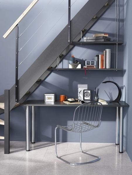 Escalier Pret A Poser Et Bureau Integre