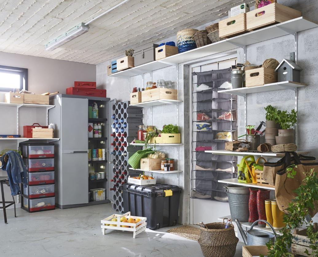 Un Cellier Dans Le Garage