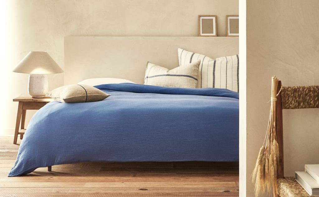 Une Chambre Paisible En Beige Et Bleu