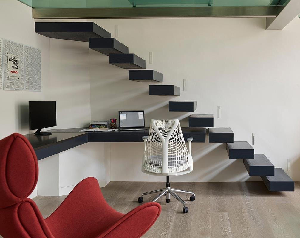 Bureau D'angle Sous Les Escaliers –