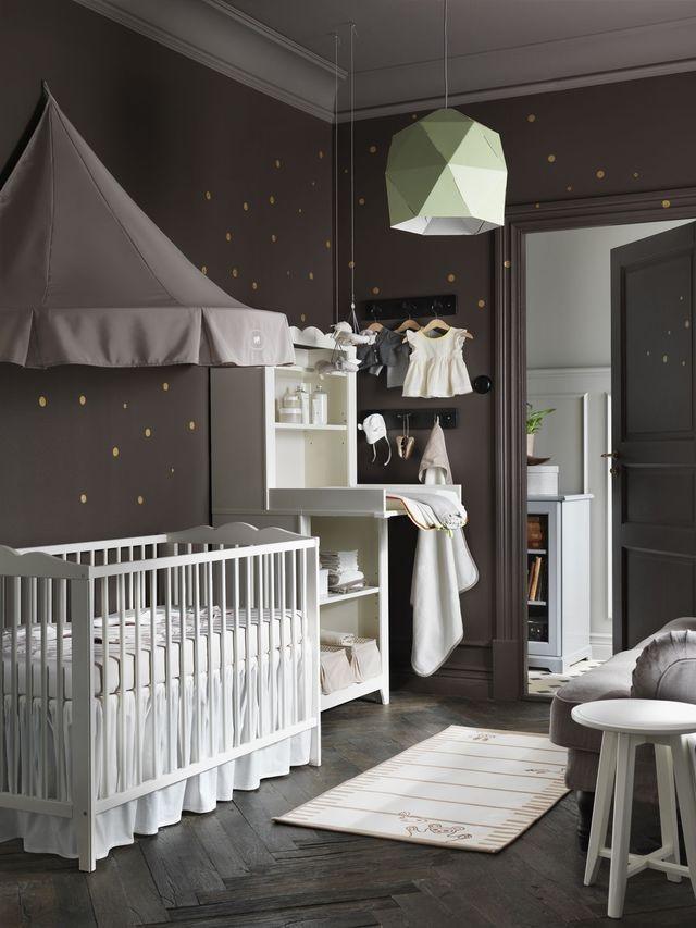 Un Coloris Sombre Pour Une Chambre De Bébé Cosy