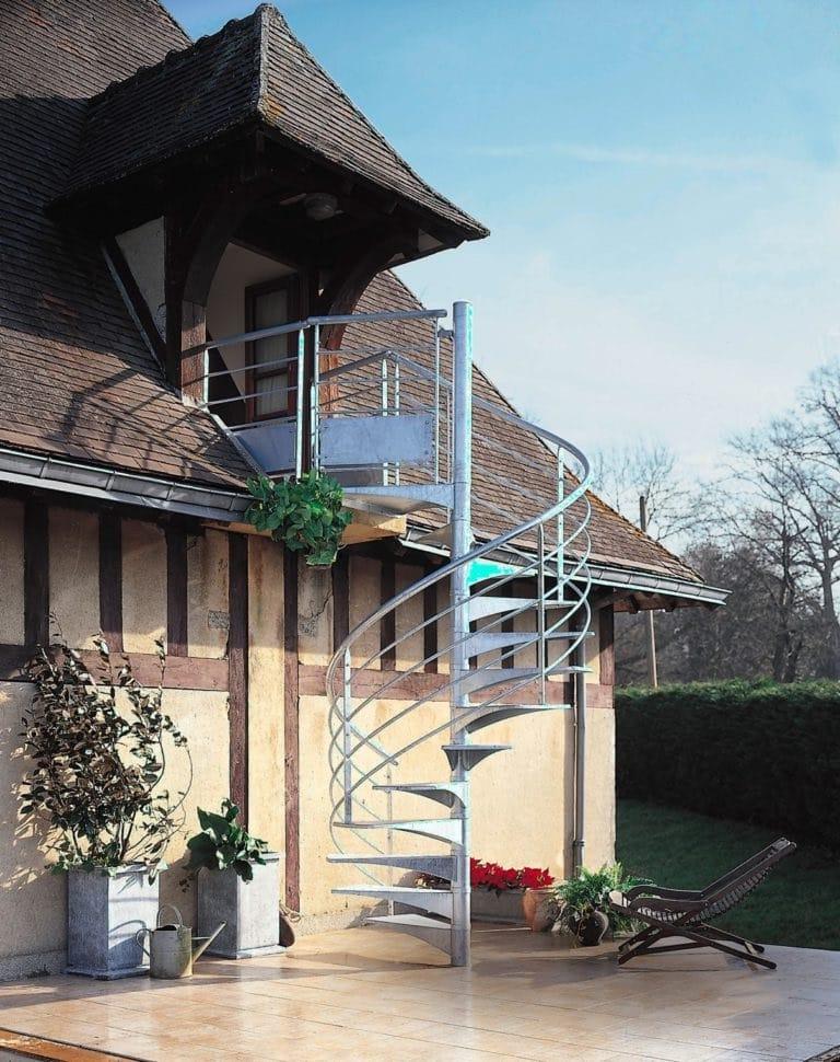 Escalier Metal Et Architecture Rustique