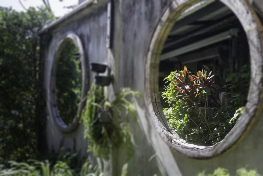 Miroir Façon Hublot Integre à La Façade