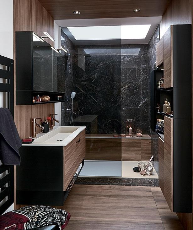 Douche Et Plafond Pour Structurer La Piece
