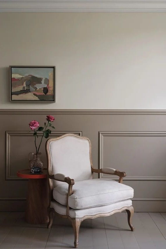 Un Fauteuil De Style Sur Le Palier