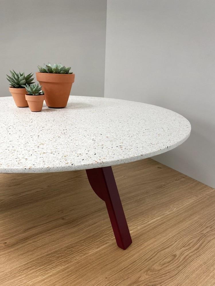 Une Table Basse En Terrazzo Sur Mesure