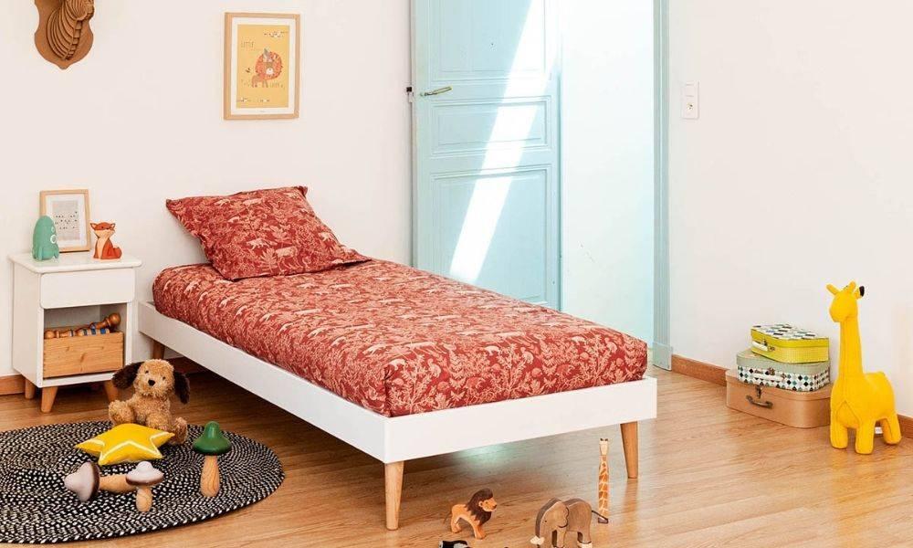 chambre d'enfant lit en bois massif déco vintage